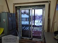 Сдвижная пластиковая дверь со стеклопакетами